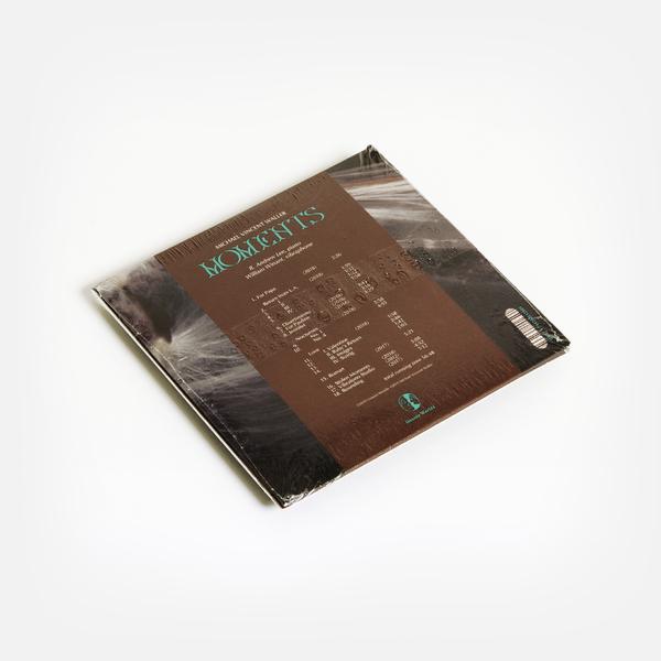 Moments cd b